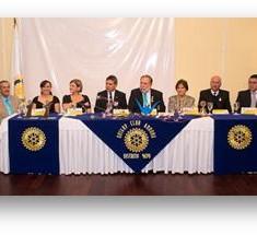 Trasmisión de mando del Rotary Club Amboro